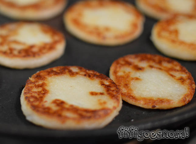 Homemade tattie scones browning nicely | fifigoesnom.com